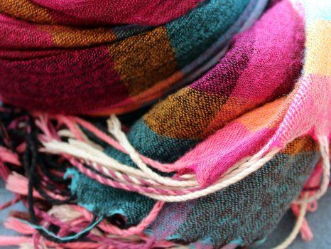 scarf-3118637_1920